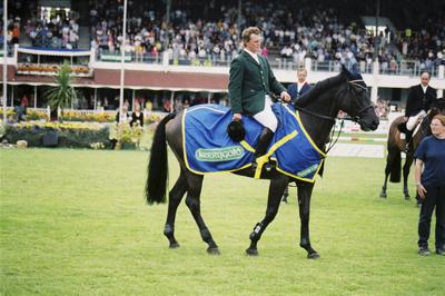 RDS Dublin Horse Show 2000, Winner of the Kerrygold International Grand Prix, Cameron Hanley on Ballaseyr Twilight for Ireland